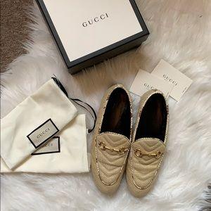 Gucci Jordaan chevron raffia loafer (womens)